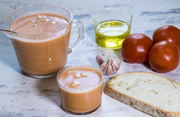 Gazpacho andaluz receta tradicional
